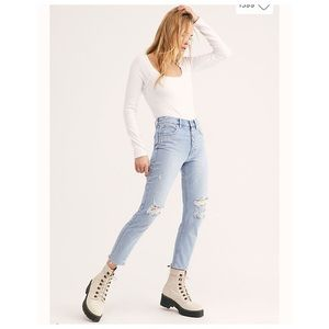 ✨Host Pick✨ Free people high rise button jeans